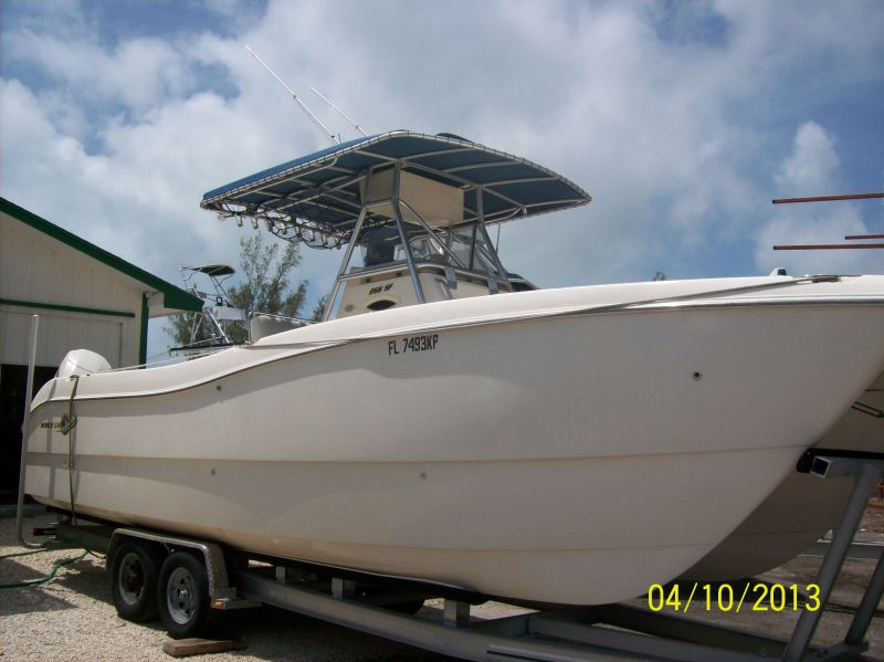 27ft World Cat center console Rental Boat