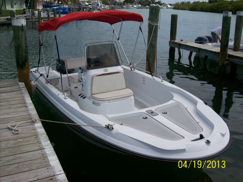 19ft Triumph Rental Boat