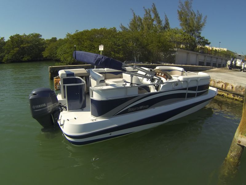 22ft Southwind Deck Rental Boat