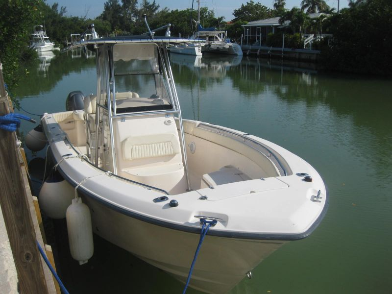 27ft Grady White Rental Boat