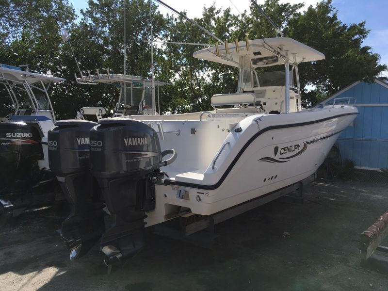 32ft Century Center Console Rental Boat