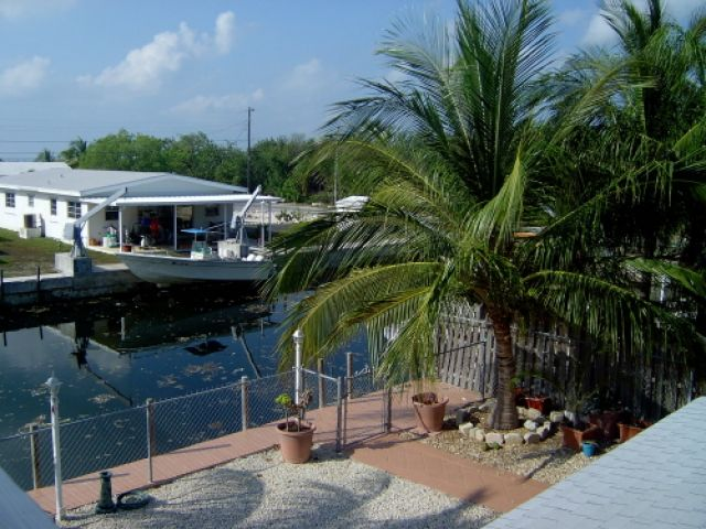 Key Lime Pool Home Boat Rental